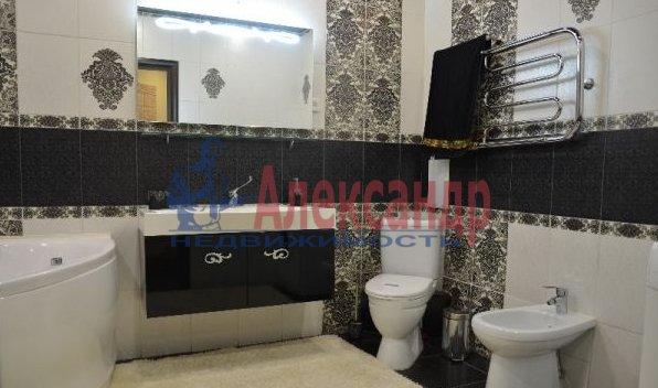 1-комнатная квартира (40м2) в аренду по адресу Учительская ул., 18— фото 3 из 3