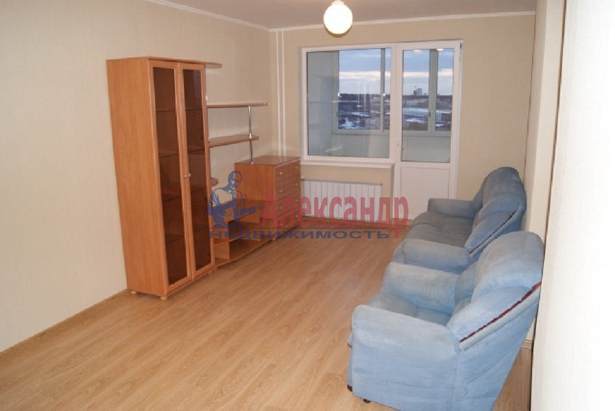 1-комнатная квартира (42м2) в аренду по адресу Богатырский пр., 58— фото 1 из 3
