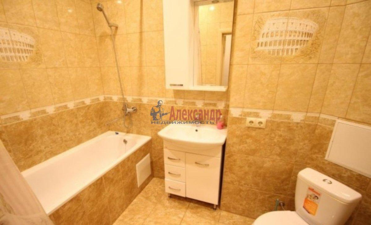 1-комнатная квартира (42м2) в аренду по адресу Лени Голикова ул., 76— фото 3 из 3