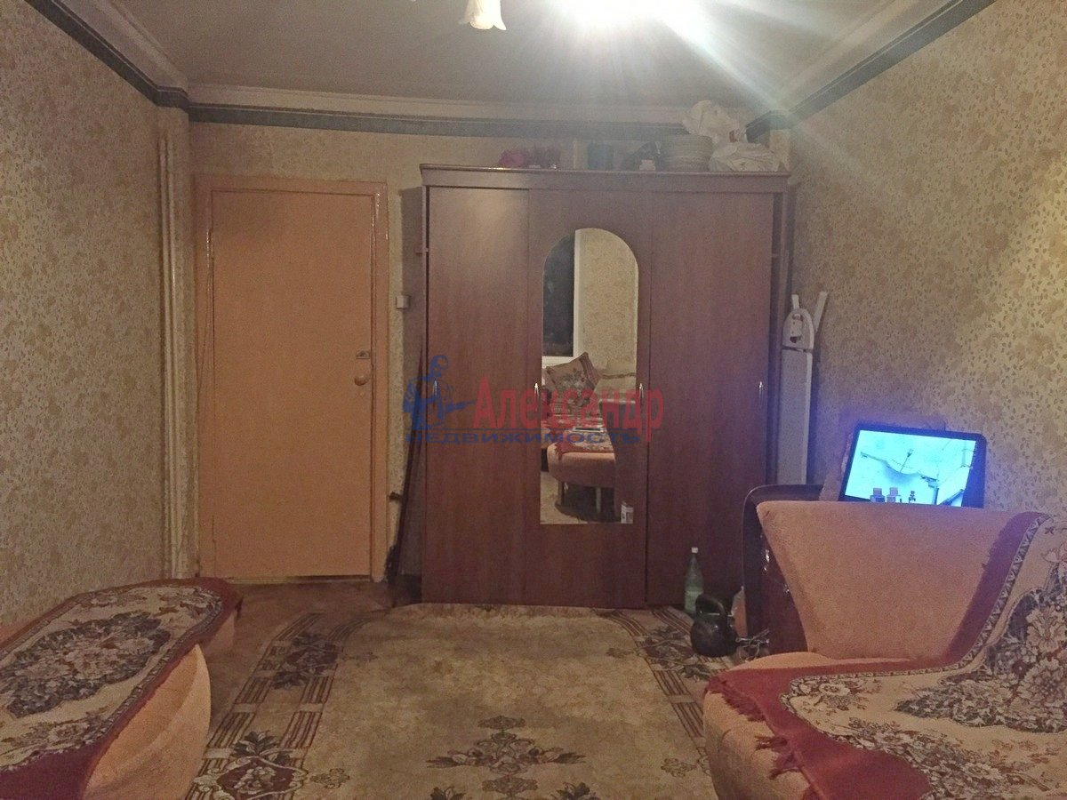2-комнатная квартира (47м2) в аренду по адресу Шелгунова ул., 8— фото 1 из 9