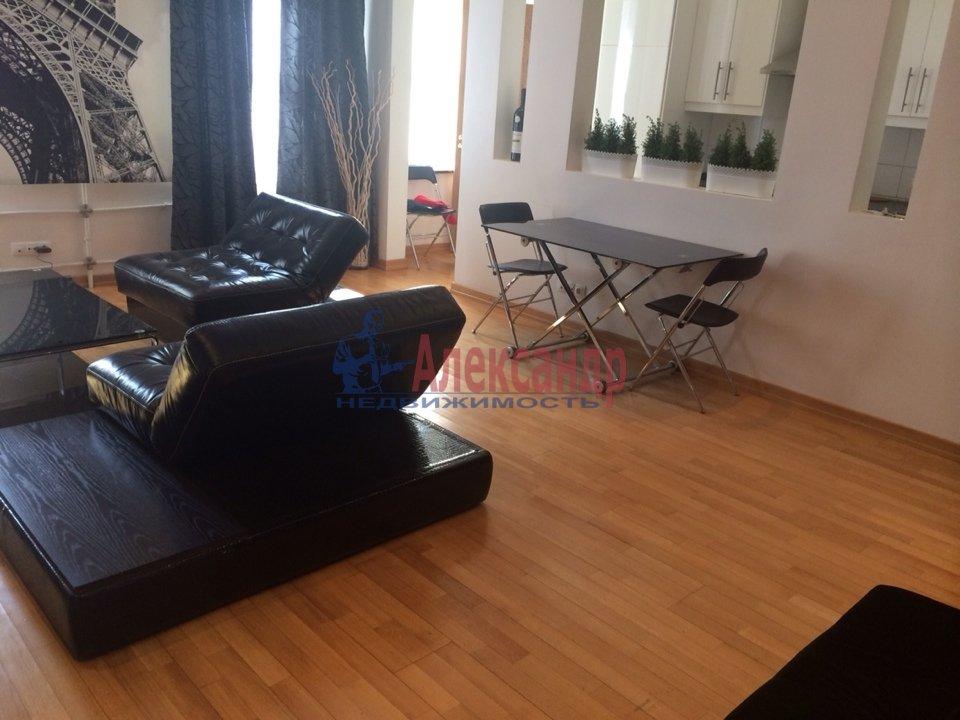 2-комнатная квартира (70м2) в аренду по адресу Адмиралтейская наб., 10— фото 3 из 13