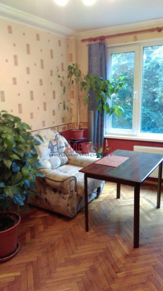 2-комнатная квартира (46м2) в аренду по адресу Большевиков пр., 51— фото 7 из 10