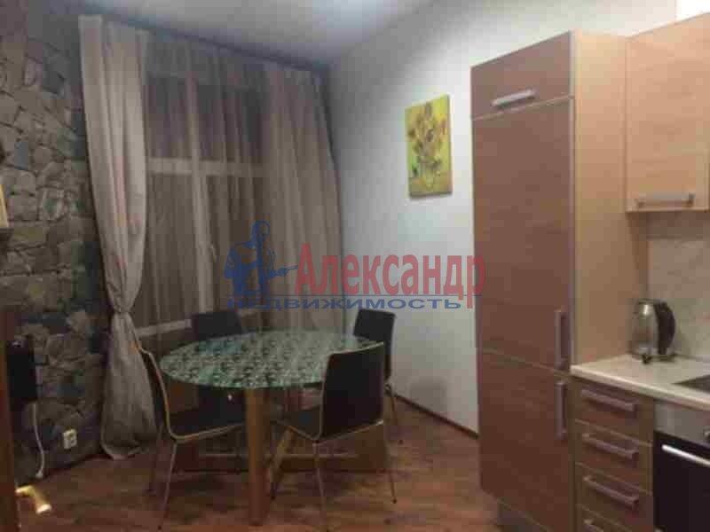 2-комнатная квартира (90м2) в аренду по адресу Петровский пр., 14— фото 3 из 11