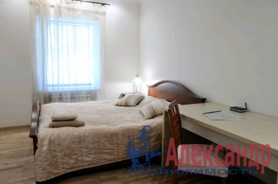 3-комнатная квартира (100м2) в аренду по адресу Канала Грибоедова наб., 23— фото 2 из 5