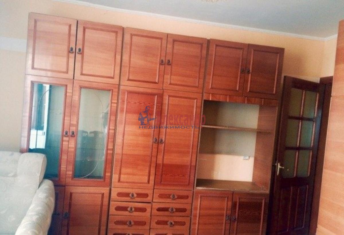 Комната в 3-комнатной квартире (66м2) в аренду по адресу Кораблестроителей ул., 37— фото 3 из 4