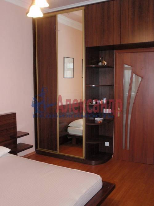2-комнатная квартира (70м2) в аренду по адресу Севастьянова ул., 14— фото 3 из 11