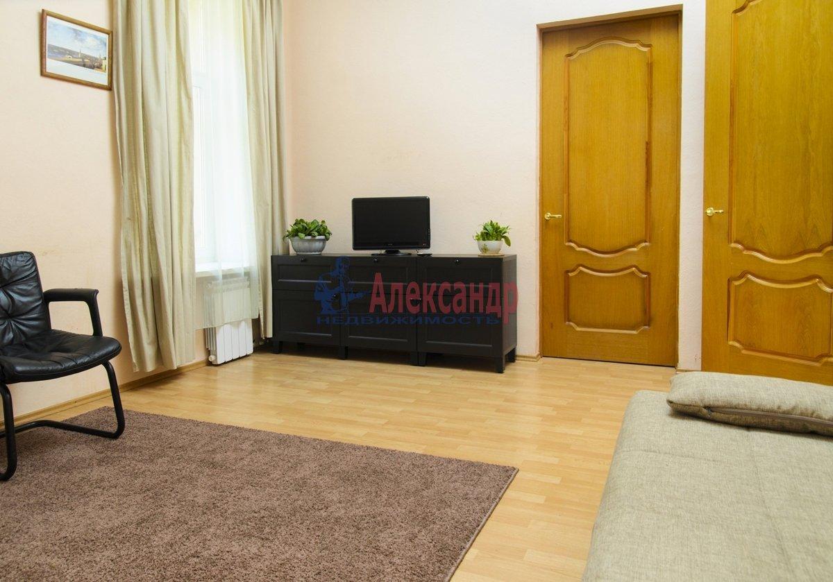 3-комнатная квартира (100м2) в аренду по адресу Малая Конюшенная ул., 10— фото 4 из 10