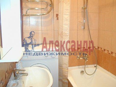 1-комнатная квартира (32м2) в аренду по адресу Решетникова ул., 10— фото 3 из 3