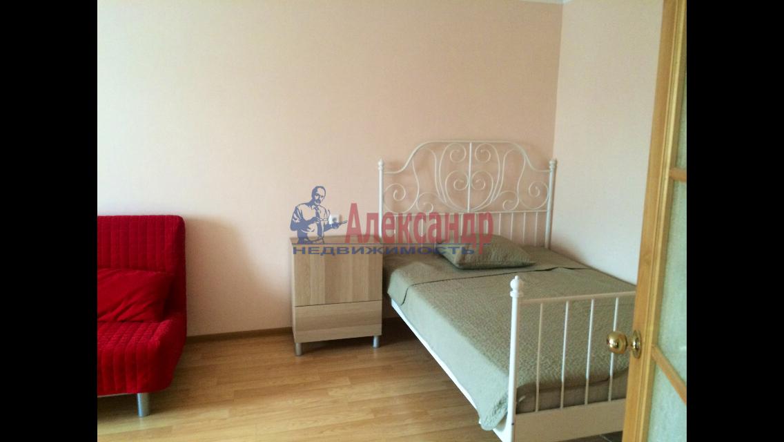 1-комнатная квартира (36м2) в аренду по адресу Космонавтов просп., 65— фото 2 из 5