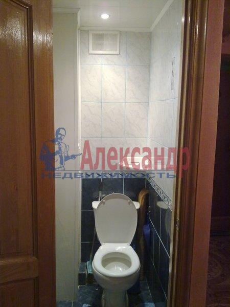 2-комнатная квартира (61м2) в аренду по адресу Коломяжский пр., 20— фото 2 из 4