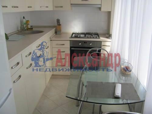 2-комнатная квартира (50м2) в аренду по адресу Можайская ул., 11— фото 1 из 10
