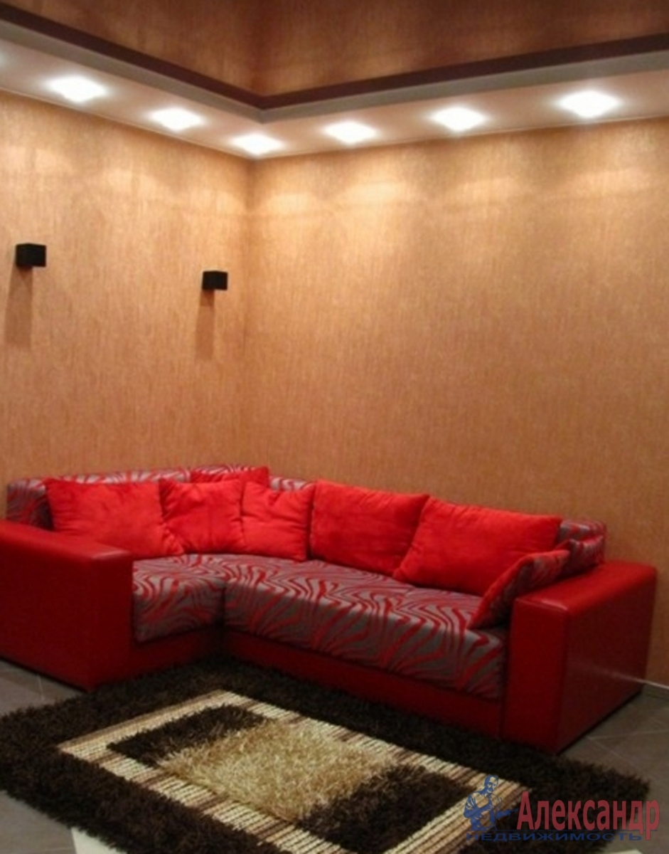 2-комнатная квартира (55м2) в аренду по адресу Дунайский пр., 7— фото 1 из 4