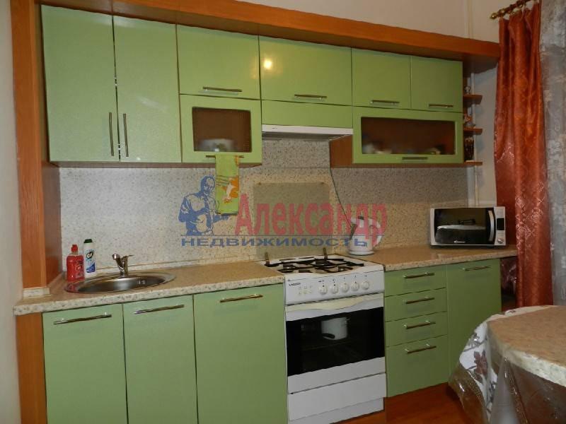 3-комнатная квартира (90м2) в аренду по адресу Большой пр., 71— фото 1 из 5