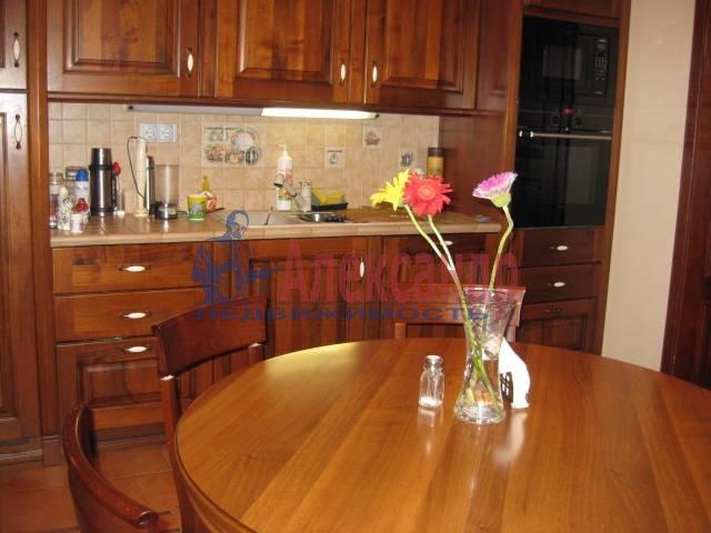 5-комнатная квартира (180м2) в аренду по адресу Суворовская пл., 38— фото 3 из 4