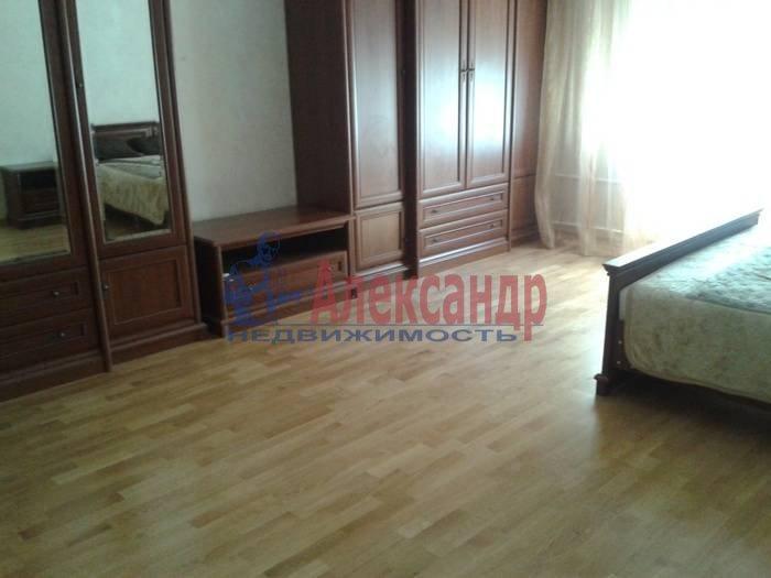 3-комнатная квартира (100м2) в аренду по адресу Невский пр., 146— фото 5 из 6