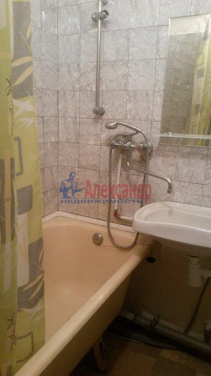 1-комнатная квартира (40м2) в аренду по адресу Искровский пр., 4— фото 4 из 6