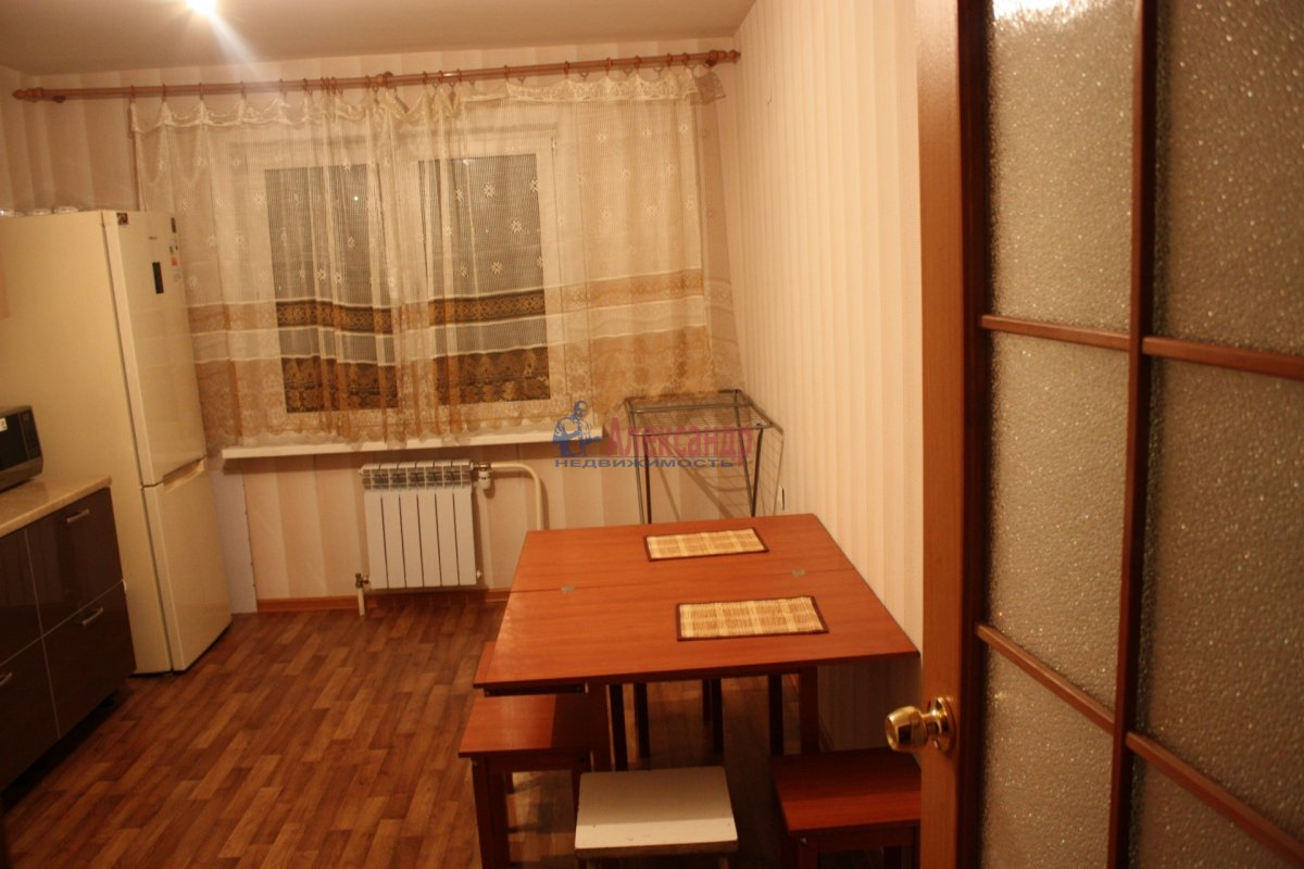 2-комнатная квартира (58м2) в аренду по адресу Богатырский пр., 49— фото 2 из 23