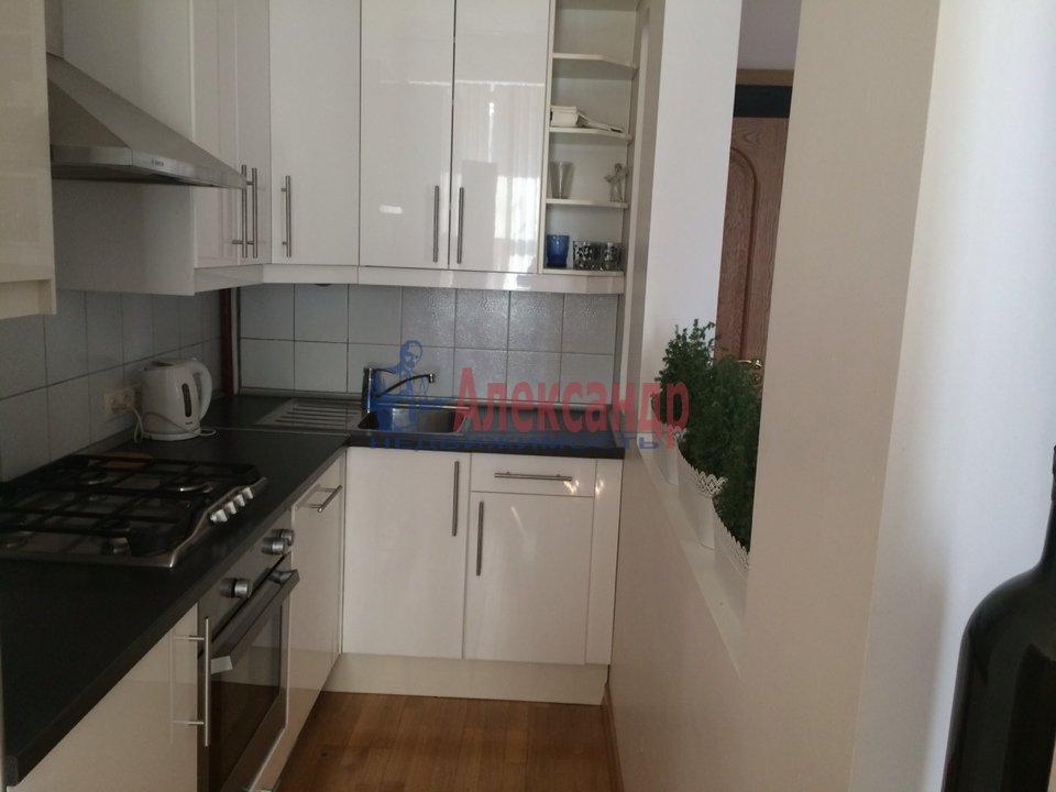 2-комнатная квартира (70м2) в аренду по адресу Адмиралтейская наб., 10— фото 7 из 13