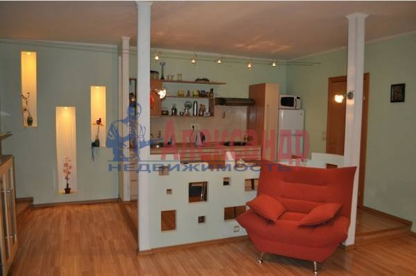 2-комнатная квартира (69м2) в аренду по адресу Кузнечный пер., 19— фото 5 из 5