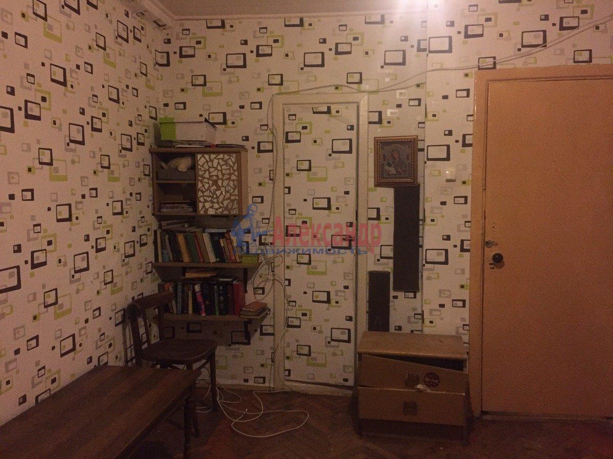2-комнатная квартира (47м2) в аренду по адресу Шелгунова ул., 8— фото 3 из 9