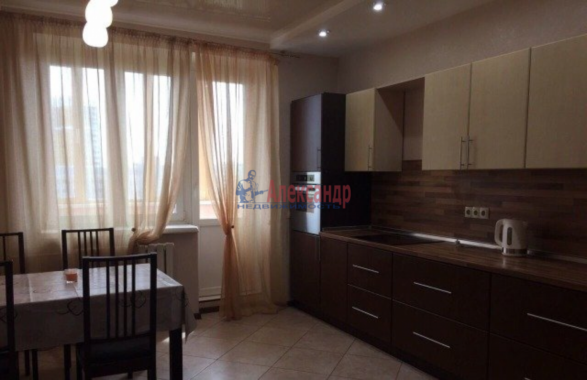 2-комнатная квартира (80м2) в аренду по адресу Космонавтов пр., 61— фото 1 из 5