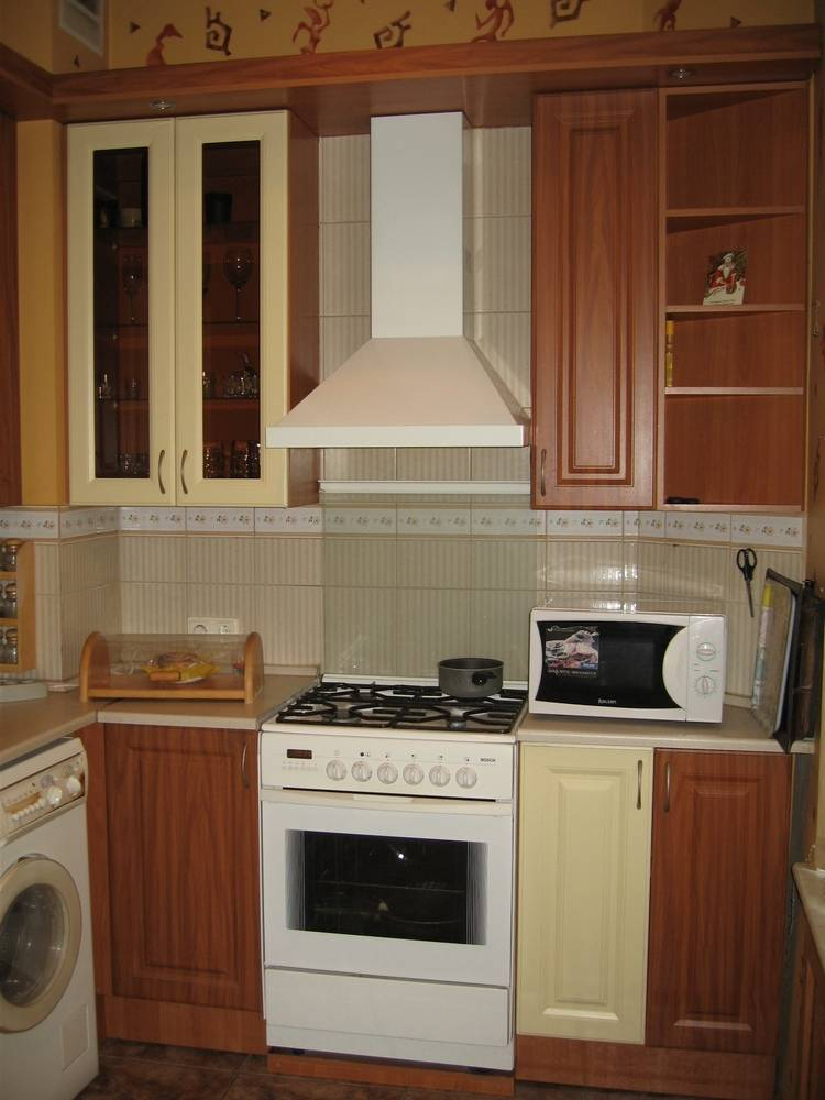 2-комнатная квартира (62м2) в аренду по адресу Кирочная ул., 48— фото 1 из 10