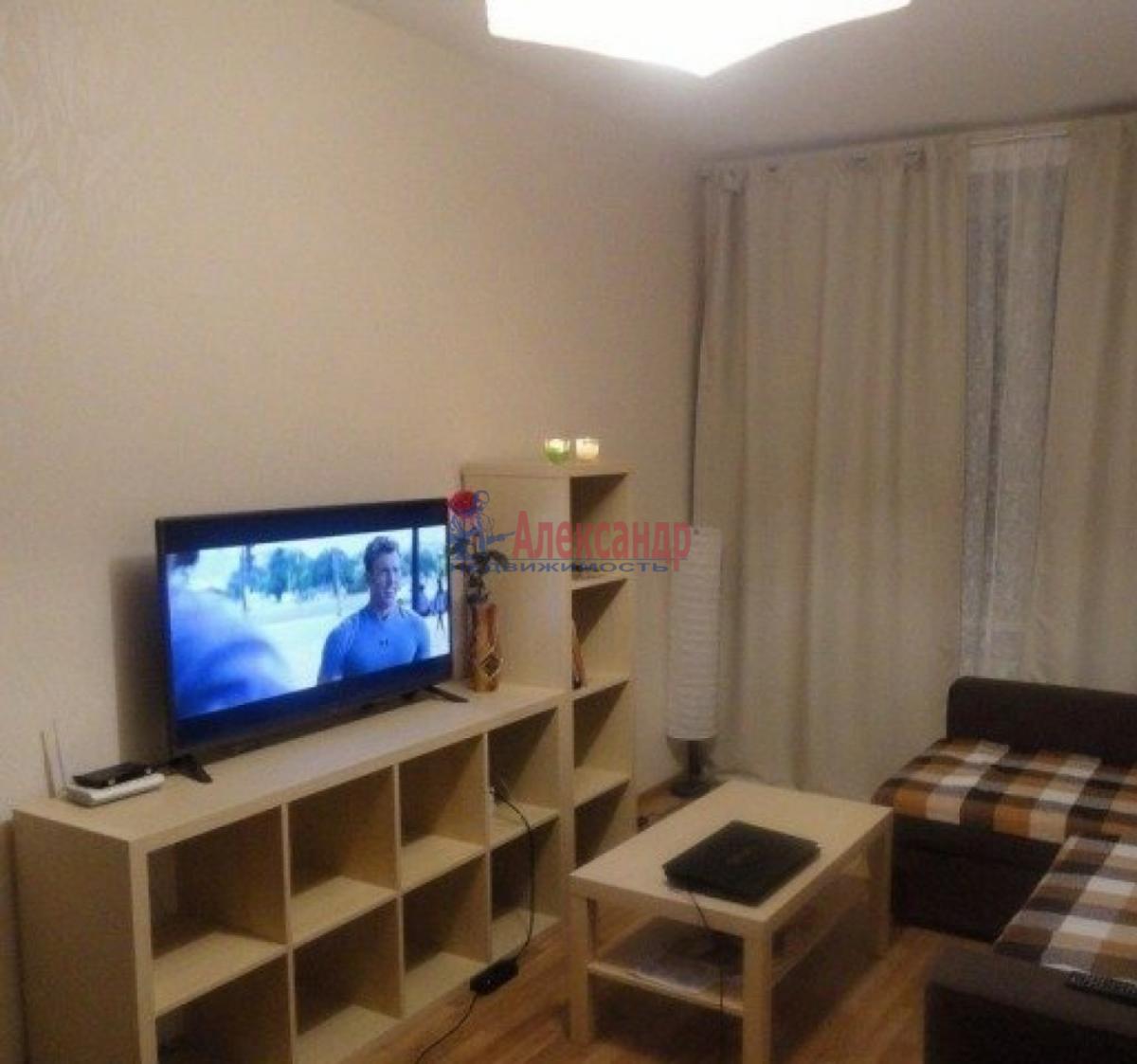 1-комнатная квартира (37м2) в аренду по адресу Славы пр., 55— фото 2 из 3