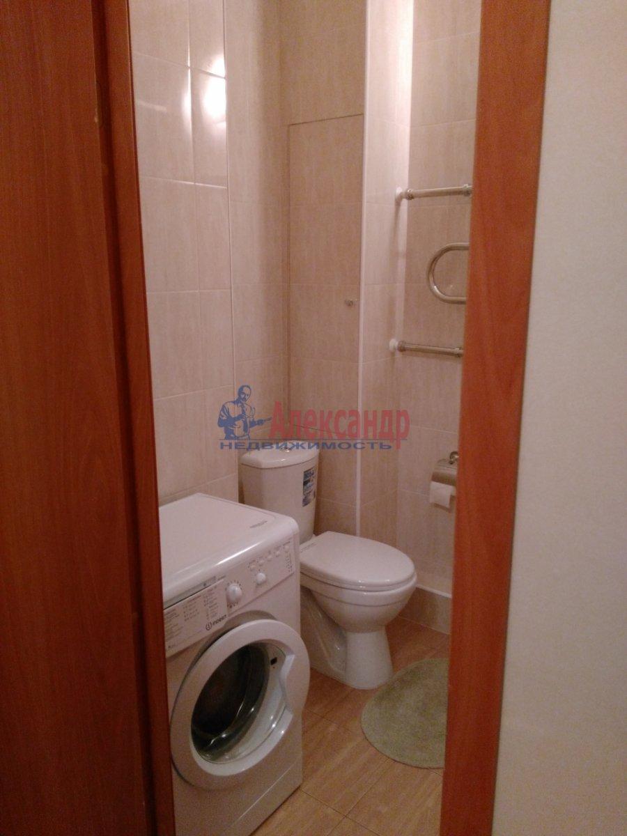 1-комнатная квартира (37м2) в аренду по адресу Юнтоловский пр., 49— фото 8 из 9