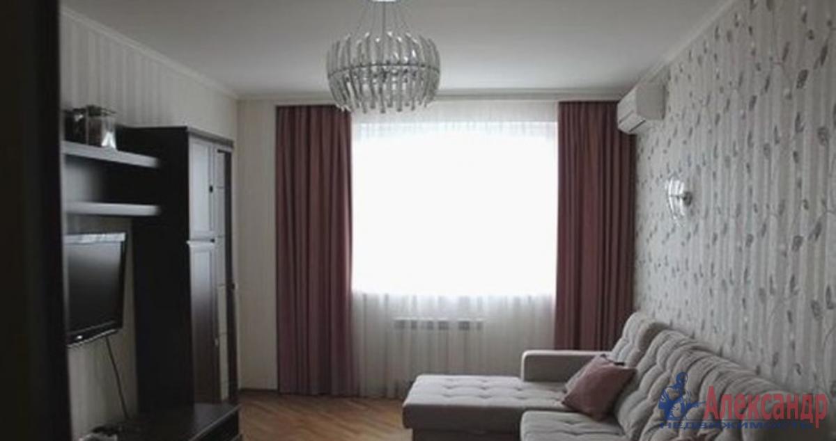 1-комнатная квартира (42м2) в аренду по адресу Маршала Казакова ул., 9— фото 2 из 3