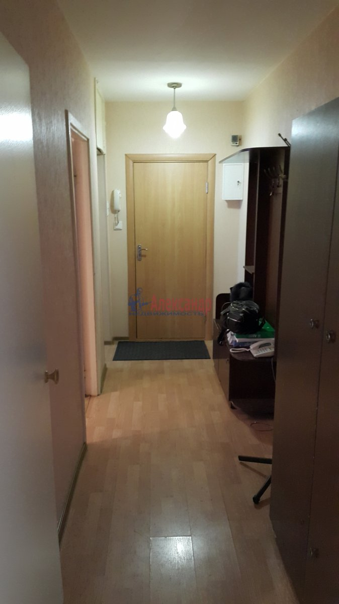 Комната в 3-комнатной квартире (35м2) в аренду по адресу Мгинская ул., 9— фото 3 из 6