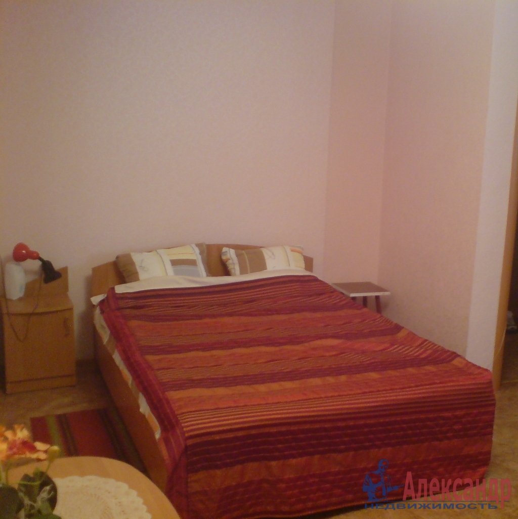 3-комнатная квартира (50м2) в аренду по адресу Науки пр., 12— фото 3 из 4