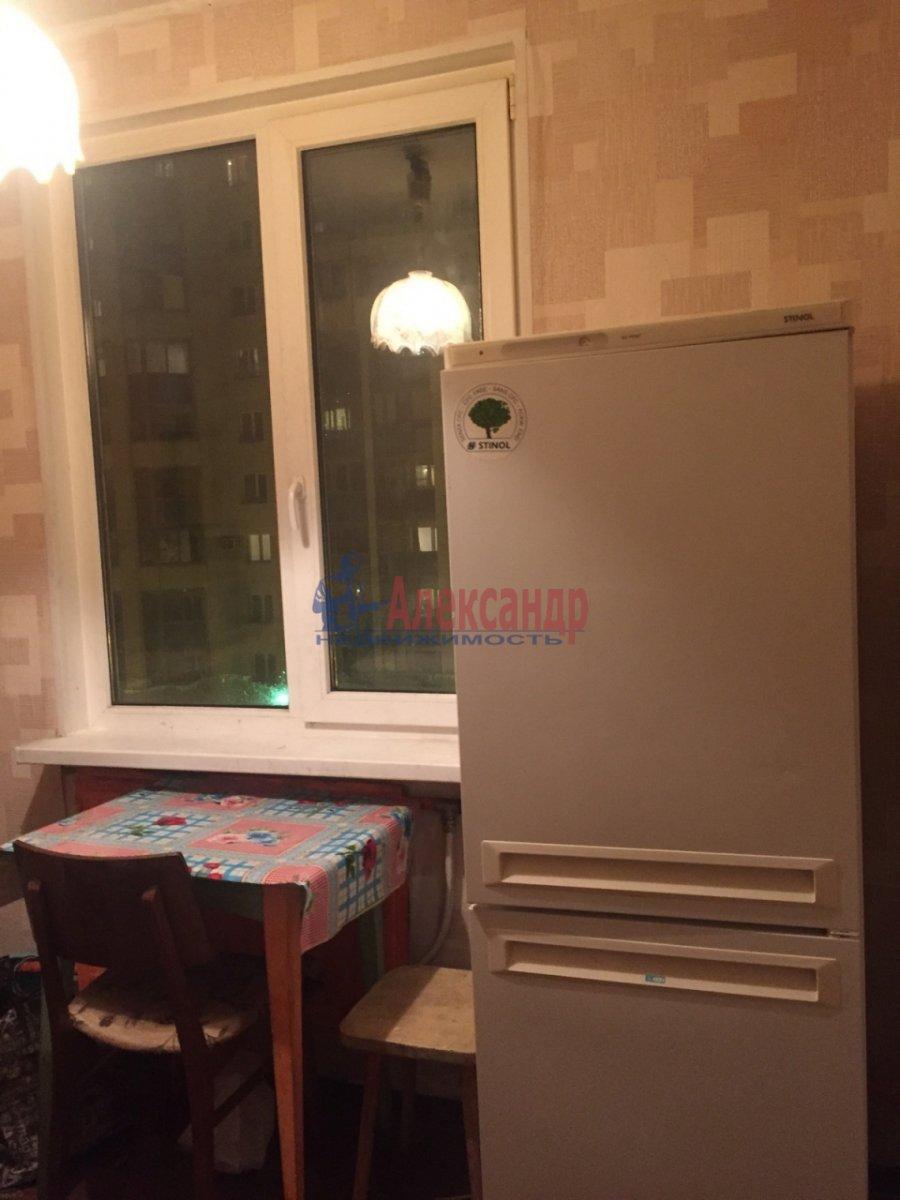 2-комнатная квартира (47м2) в аренду по адресу Шелгунова ул., 8— фото 5 из 9