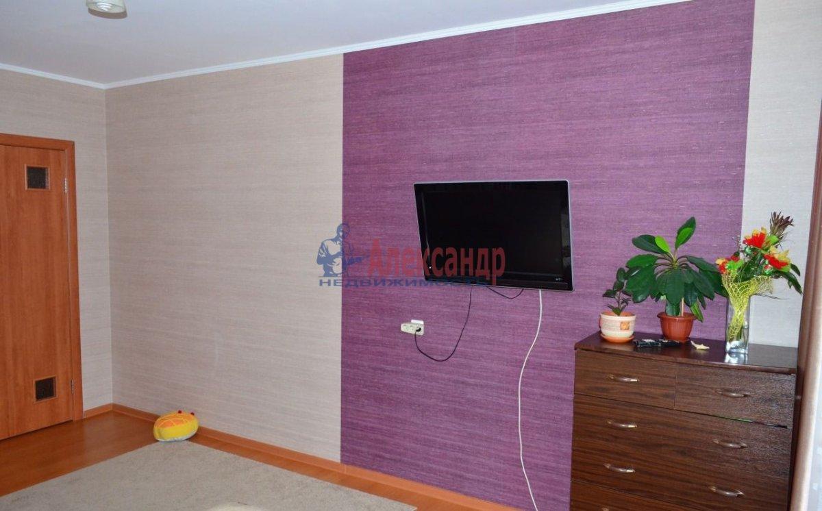 1-комнатная квартира (40м2) в аренду по адресу Стачек пр., 79— фото 2 из 4