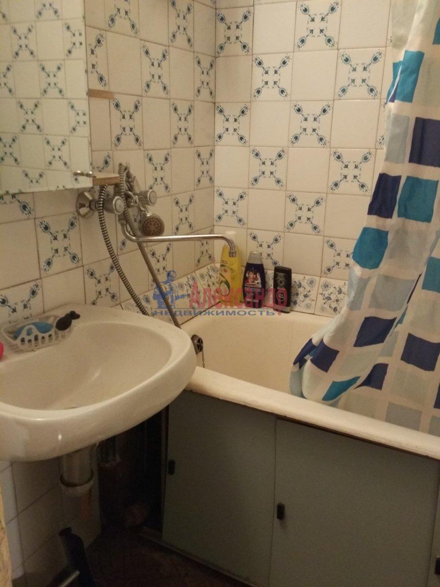 2-комнатная квартира (51м2) в аренду по адресу Малая Карпатская ул., 23— фото 4 из 5