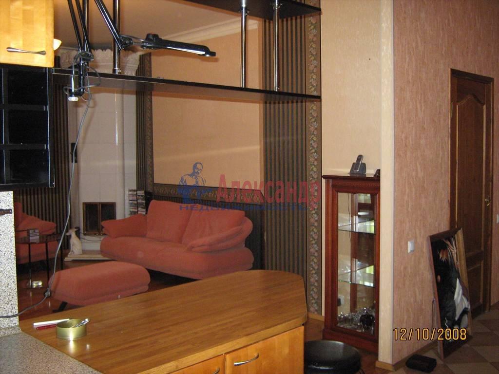 2-комнатная квартира (55м2) в аренду по адресу Наставников пр., 10— фото 1 из 4
