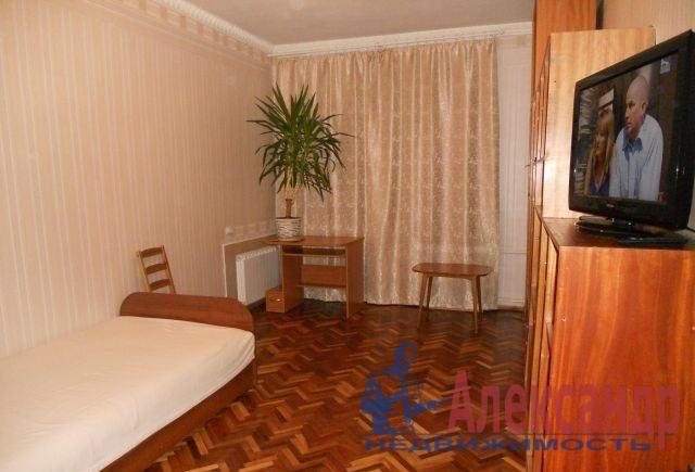 2-комнатная квартира (59м2) в аренду по адресу 1 Муринский пр., 2— фото 2 из 7