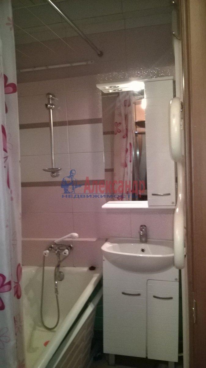 1-комнатная квартира (34м2) в аренду по адресу Большевиков пр., 19— фото 6 из 6