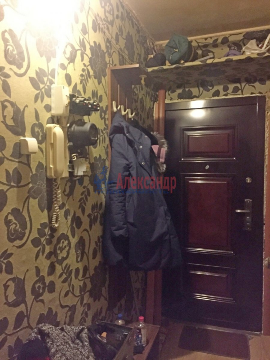 2-комнатная квартира (47м2) в аренду по адресу Шелгунова ул., 8— фото 6 из 9