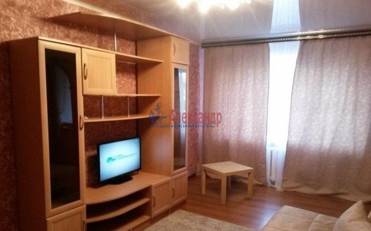 1-комнатная квартира (37м2) в аренду по адресу Ветеранов пр., 78— фото 2 из 3