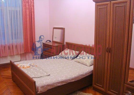 1-комнатная квартира (41м2) в аренду по адресу Новоколомяжский пр., 4— фото 3 из 3