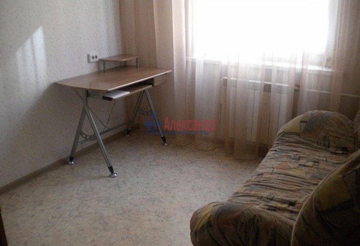 Комната в 2-комнатной квартире (48м2) в аренду по адресу Стачек пр., 75— фото 2 из 4