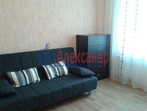 Комната в 2-комнатной квартире (60м2) в аренду по адресу Московский просп., 125— фото 1 из 4