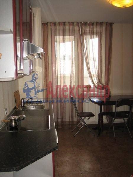 1-комнатная квартира (42м2) в аренду по адресу Просвещения пр., 99— фото 1 из 3