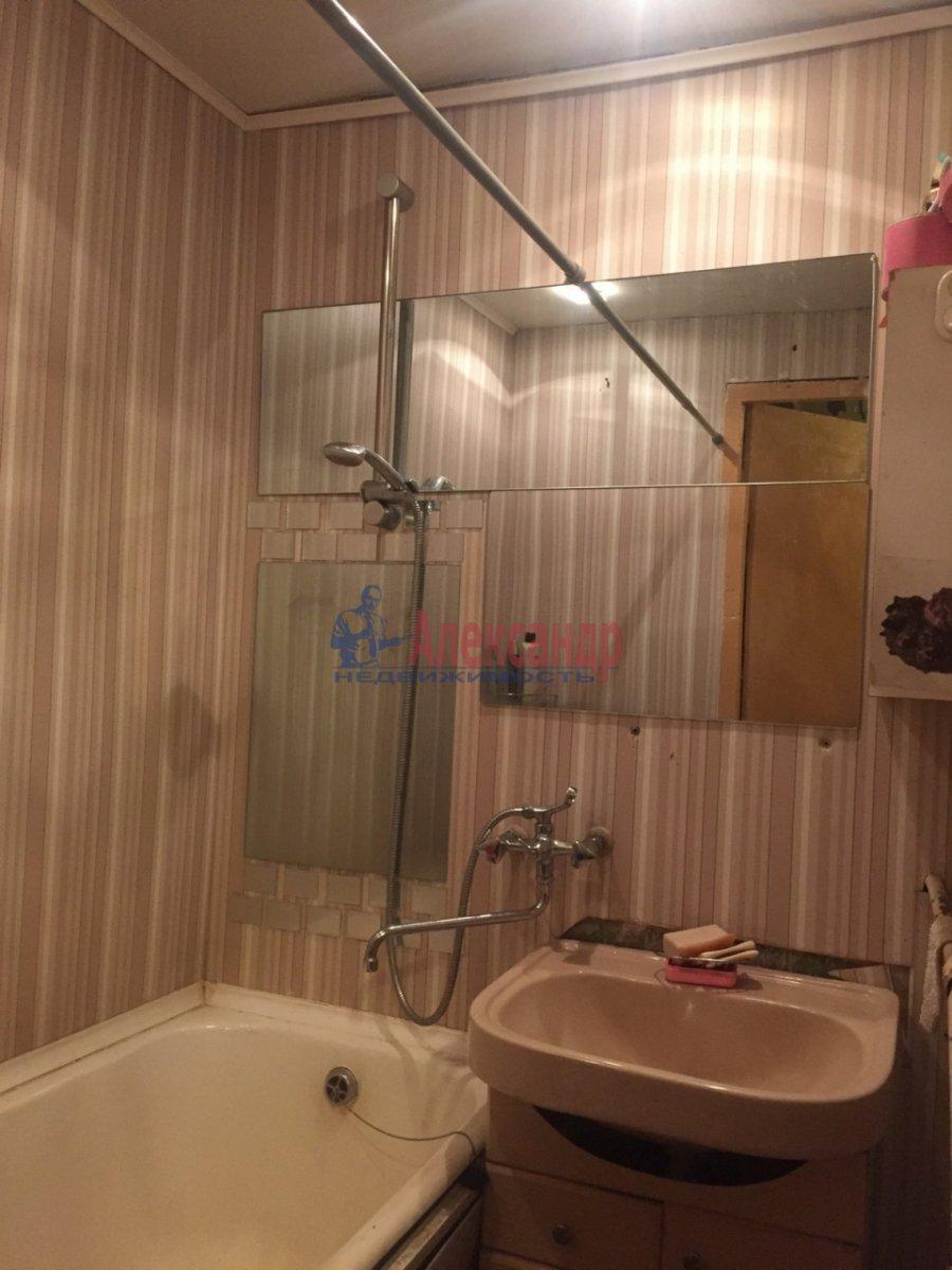 2-комнатная квартира (47м2) в аренду по адресу Шелгунова ул., 8— фото 8 из 9