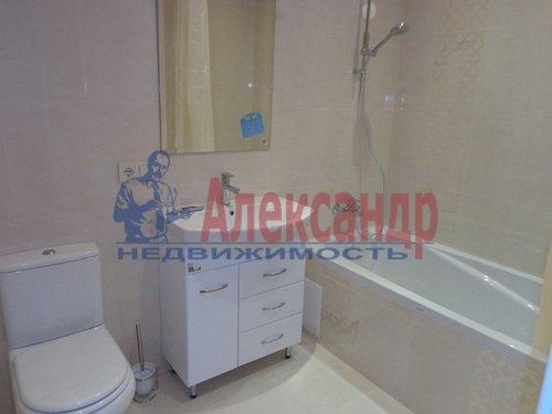 2-комнатная квартира (75м2) в аренду по адресу Резная ул., 6— фото 6 из 9