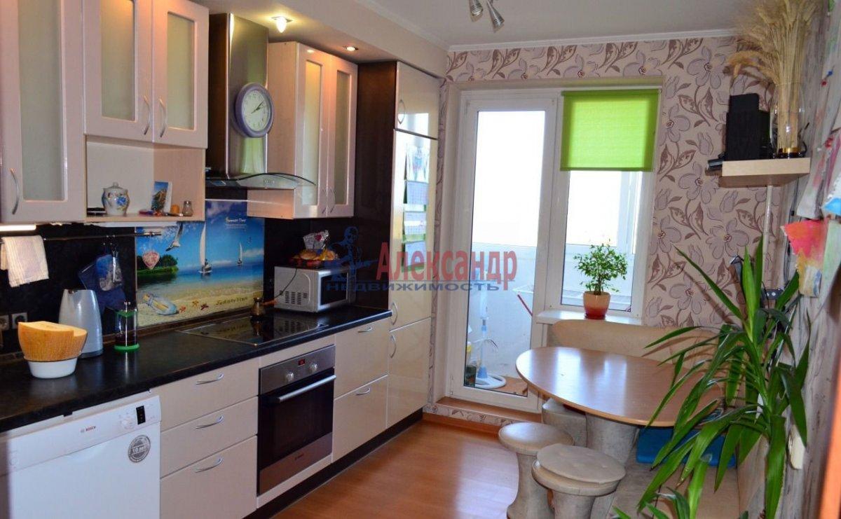 1-комнатная квартира (40м2) в аренду по адресу Стачек пр., 79— фото 1 из 4