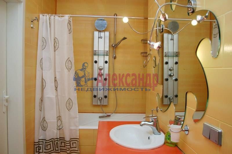2-комнатная квартира (61м2) в аренду по адресу Кустодиева ул., 19— фото 5 из 6
