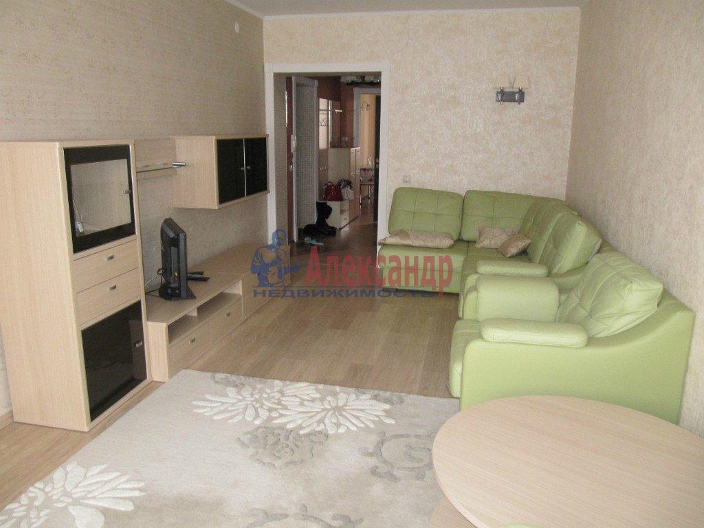 3-комнатная квартира (100м2) в аренду по адресу Просвещения пр., 87— фото 2 из 3