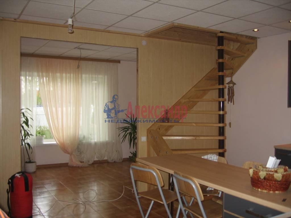 Дом (250м2) в аренду — фото 1 из 6