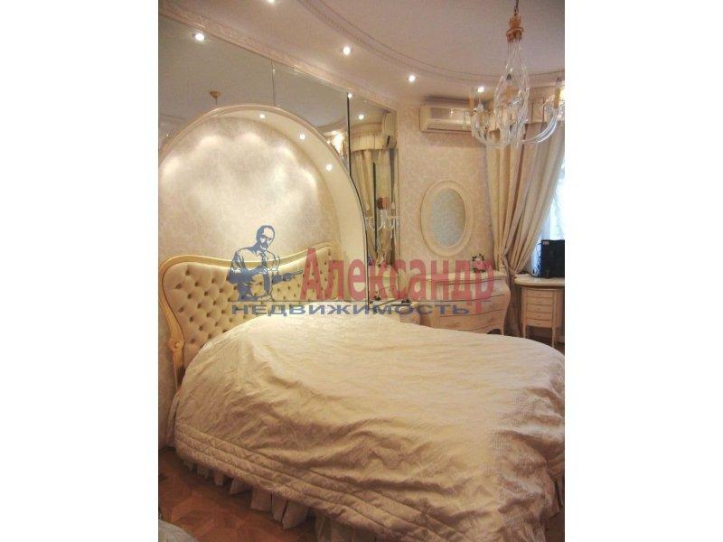 1-комнатная квартира (35м2) в аренду по адресу Реки Фонтанки наб., 22— фото 2 из 2